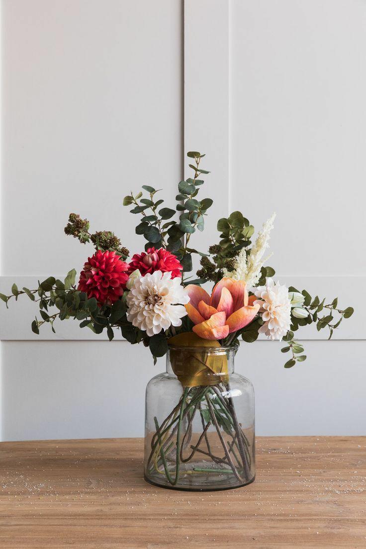 گیاهان در اتاق نشیمن به سبک مینیمال