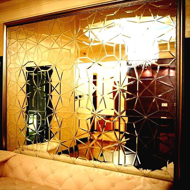 آینه طلایی در دکوراسیون