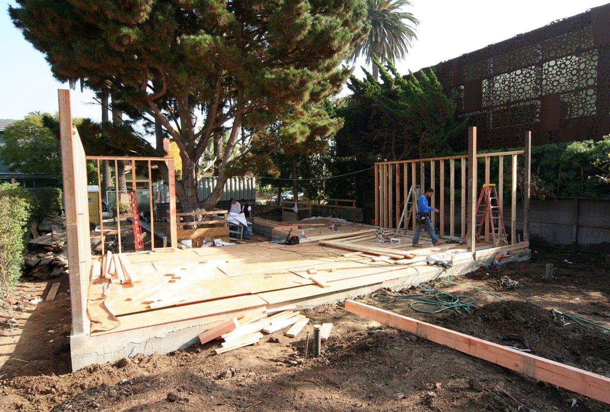 شروع بازسازی منزل