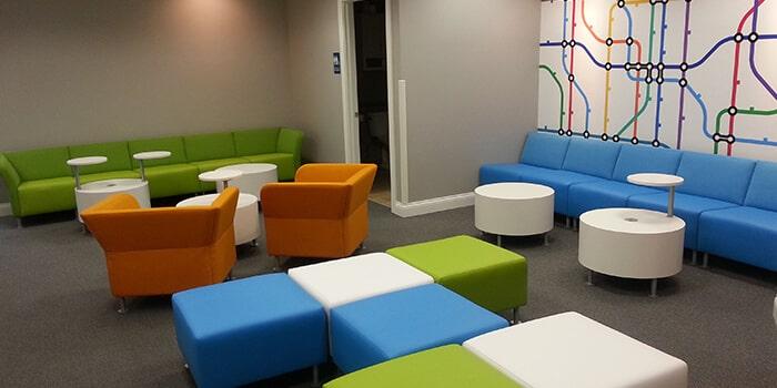 طراحی دکوراسیون اتاق انتظار مطب